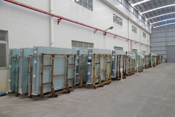 Float glass raw materials